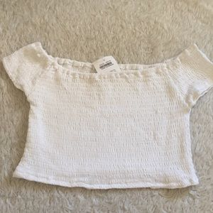 Brandy Melville Tops - White smocked top ellery
